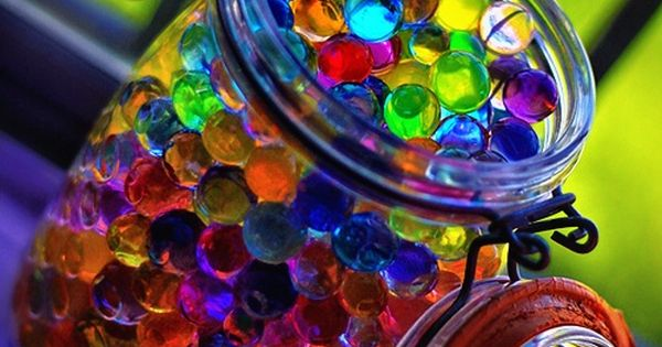 jar fillers...Water marbles! Crazy how a few SUPER COOL! Kitchen ingredients will