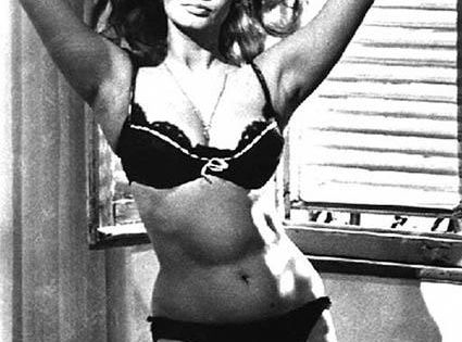 Real women have curves!!! sophia loren