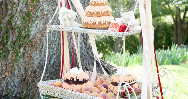 picture of wedding cakes with flowers vintage flower cart with desserts flower vintage and 18368