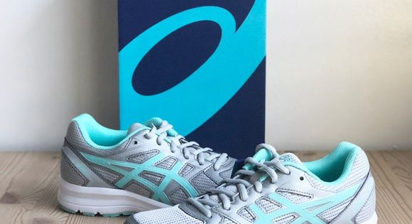 NEW ASICS Plymouth Running Sneakers NWT