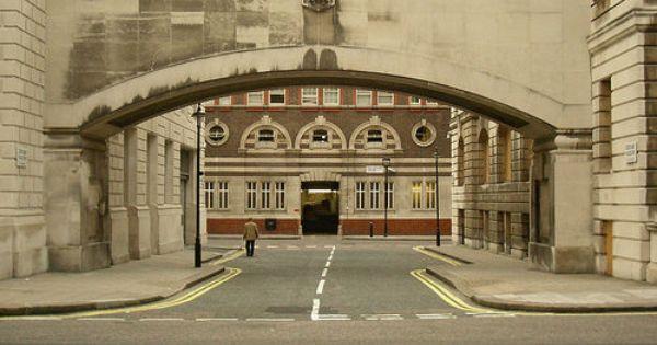 How did Scotland Yard get its name? - qsponge.com