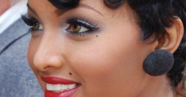 Beauties with marilyn monroe beauty mark beat face for Beauty mark tattoo