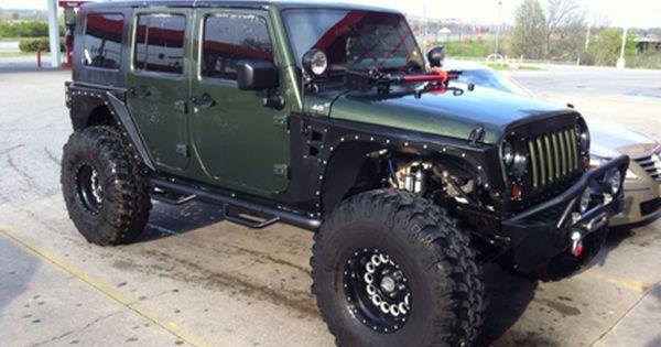 bad ass jeep wrangler on 40 39 s look like a pitbull with crimped ears jeeps oiiiiiiio. Black Bedroom Furniture Sets. Home Design Ideas