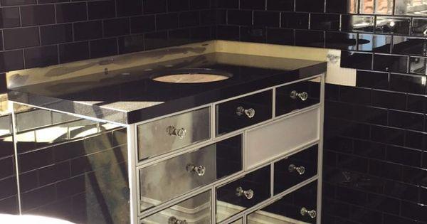 Kylie jenner 39 s bathroom design bathroom ideas for Kylie jenner bathroom photos
