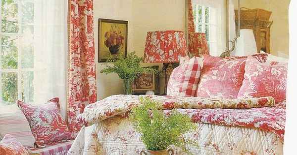 Hydrangea Hill Cottage French Country Decorating: Green Foliage Aubusson Rug, Pink And White Toile Drapes