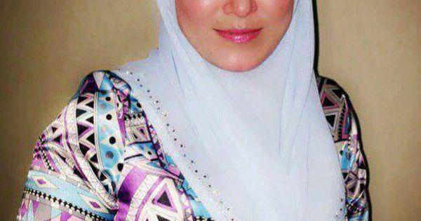 Gambar Bogel Awek Pahang Yang Bertudung Tapi Sangat Seksi