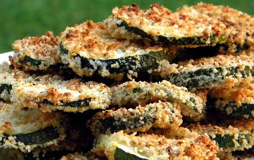 Oven baked Parmesan Zucchini chips with Basil dipping sauce
