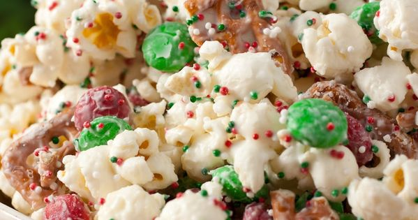*FAVORITE* CHRISTMAS CRUNCH {Funfetti Popcorn, Christmas Style} 1/2 cup popping popcorn kernels,