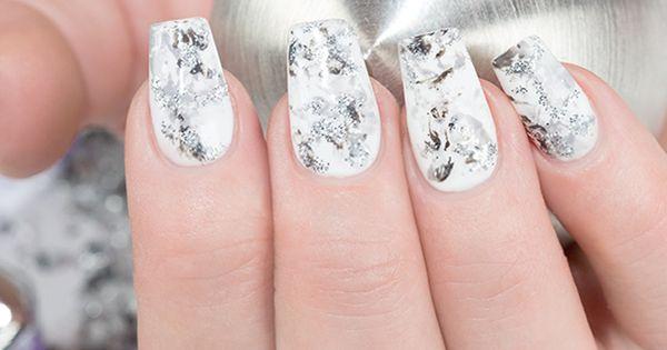 marmor nails trends trendstyle wie w re es denn mit fingern geln in edler marmor optik das. Black Bedroom Furniture Sets. Home Design Ideas