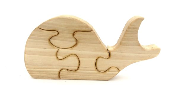 Wooden Whale Puzzle I'm pinning this because it's just adorable.