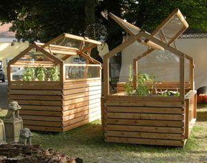 Hochbeet Und Gewachshaus In Einem Garten Hochbeet Garten Gewachshaus Garten