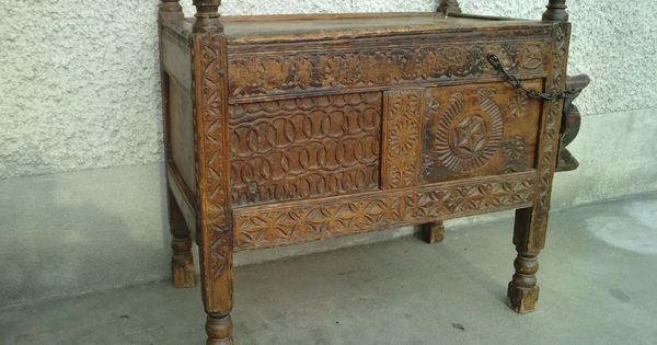 Coffre pakistan vall e swat chest valley 19 me si cle for Chinese furniture in pakistan