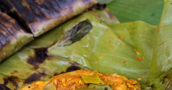 How to Make Thai Fish Grilled in Banana Leaves (Aeb ...