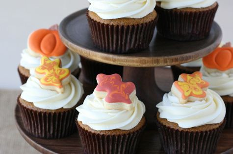 Pumpkin Cupcakes with Maple Cream Cheese health Dessert Dessert healthy Dessert
