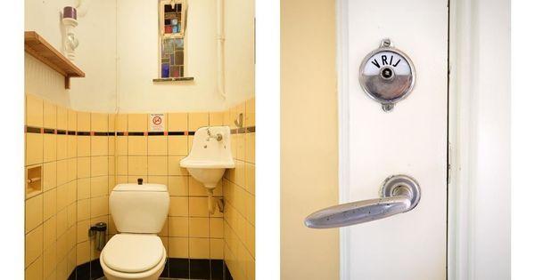 Toilet in jaren30 stijl met originele betegeling terazzovloer en - Stijl van toilet ...