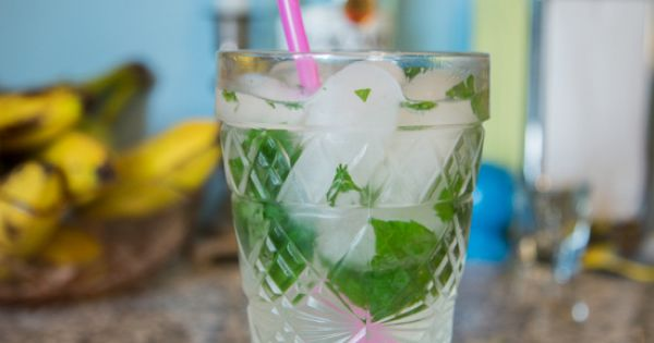 San Pellegrino Limonata Mint Rum Cocktail | San Pellegrino Recipes ...