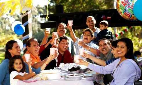 Comer En Familia Te Ayudara A Mantenerla Unida Y Amorosa Padre