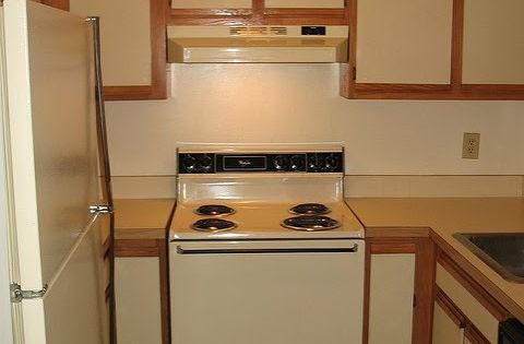Diy painting laminate kitchen cabinets the easy way with for Best way to build kitchen cabinets