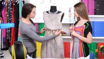 कर फ र फ शन ड ज इन ग क र स प ए 30 स 40 हज र क न कर Fashion Design Jobs Fashion Designing Course Diploma In Fashion Designing