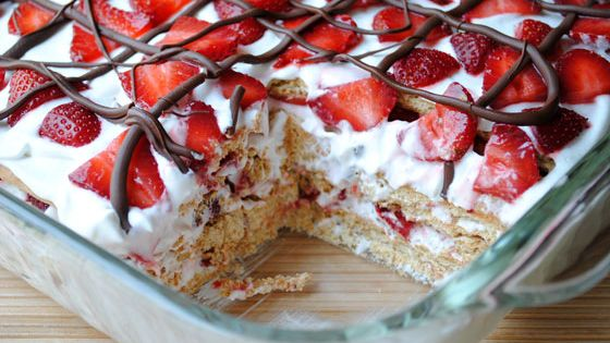 No Bake Strawberry Cake by So How's It Taste No-Bake Strawberry Icebox