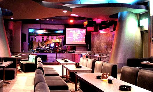 Karaoke room in japan monopoly cities the world game pinterest karaoke japan and room for Living room karaoke
