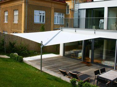 Amenagement D Une Terrasse Deco Avec Un Voile D Ombrage Voile Ombrage Deco Terrasse Exterieure Ombrage