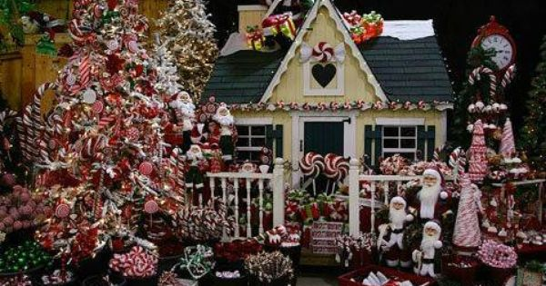 Pin By Lynn Loper Sakers On Christmas Winter Wonders Christmas Decorations Christmas Display Christmas Tree Images