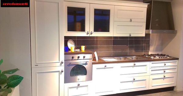 Eleganza assoluta per la cucina Romantica di Febal Casa laccata ...