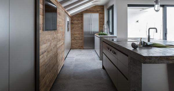 Schiebetür küche holz  Schiebetür in der Küche aus Barrique Holz | kitchen | Pinterest ...