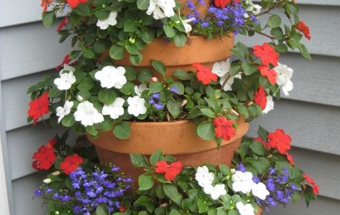 A great tip for the garden, just stack your terracotta pots for