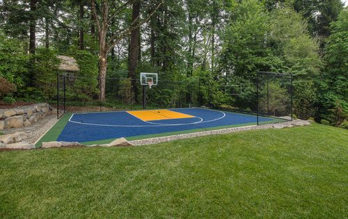 Traditional Home Sport Court Backyard Basketball Court