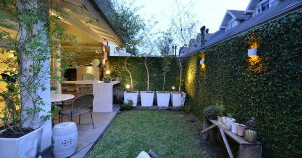 Casa con patio peque o y porche porches jardin y for Porche pequeno