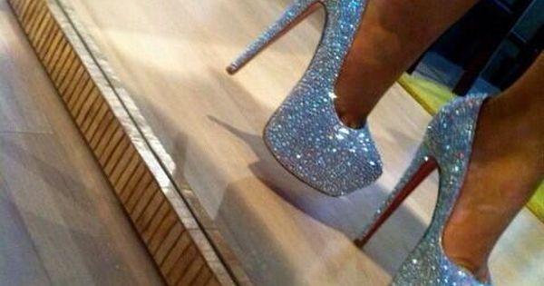Heel shoes - photo