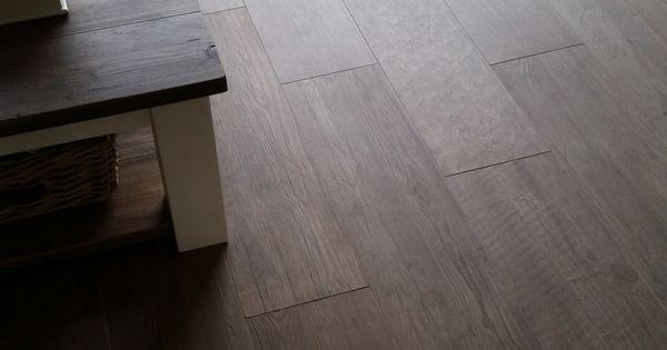 Houtlook tegels atlas concorde brown chestnut cm met mapei voeg bijpassende kleur 134 - Imitatie cement tegels ...