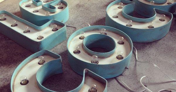 Letras con bombillas la factoria plastica impresionante - La factoria plastica ...