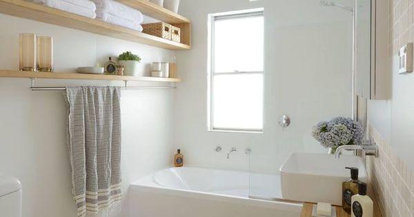 diy small bathroom at a budget kleines diy badezimmer mit viel stauraum hnliche projekte und