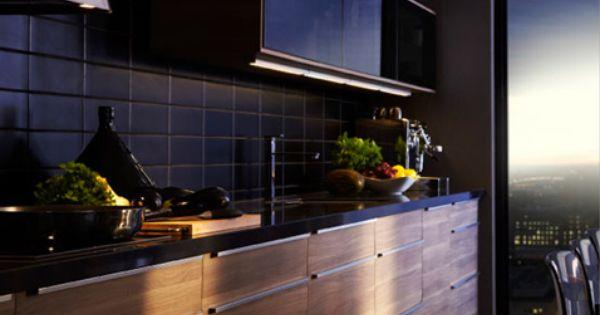 cuisine noire et bois credence