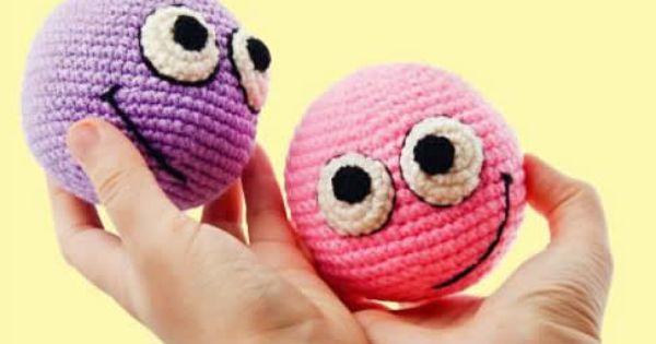 Amigurumi Smiley Ball : Patron pelotas antiestres amigurumi Amigurumis ...