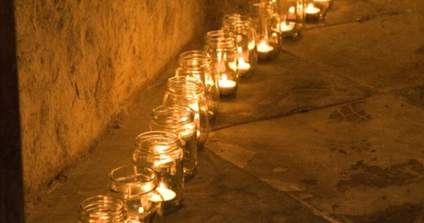 So simple and affordable: Large tealights in Mason Jars