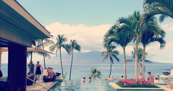 Honeymoons: Infinity pool at the Four Seasons Maui hawaii honeymoons