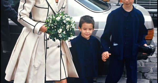 photos carole bouquet avec ses fils dimitri et louis le jour de son mariage avec jacques. Black Bedroom Furniture Sets. Home Design Ideas