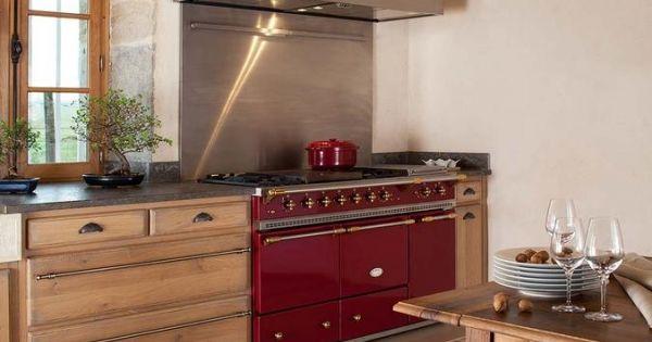 Piano Lacanche Couleur Meubles Chene Miel Poignees Coquille Credence Metal Plaque Metal Brut Pas Inox Cooking Range Kitchen Inspirations Cuisine Design