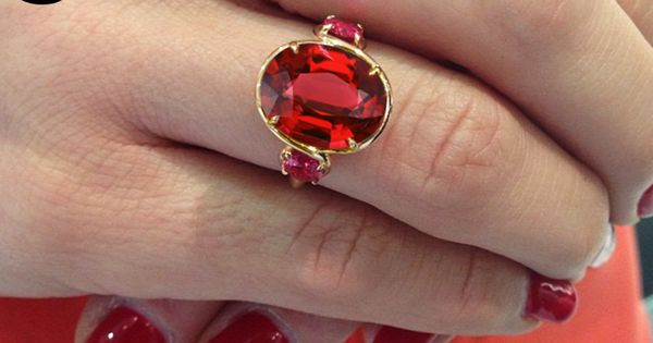 Correct Hand And Fingers For Wearing Astrology Gemstones In Which Finger To Wear Blue Sapphire Gemstones Gemstone Prices Hessonite