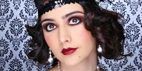 Como Hacer Un Maquillaje De Los Años 20 Con Cosmeticos De Hoy Maquillaje Años 20 Maquillaje De Los Años 40 Maquillaje Estilo Años 20