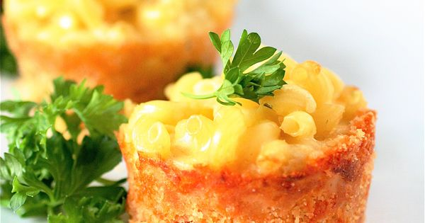 MINI MAC & CHEESE PIES – This recipe makes about 8 muffin-sized