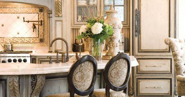 Kitchen cabinet color idea