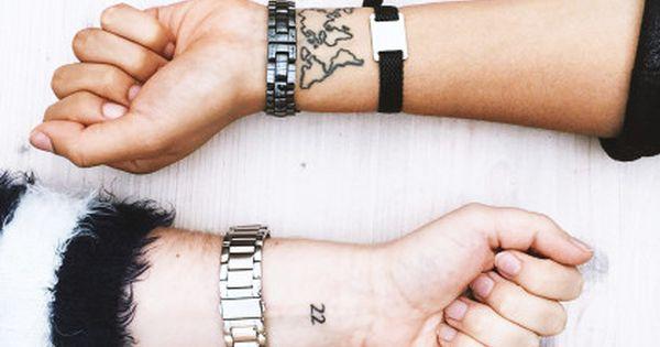 jeder kennt sie und viele haben eins mini tattoos wenn. Black Bedroom Furniture Sets. Home Design Ideas