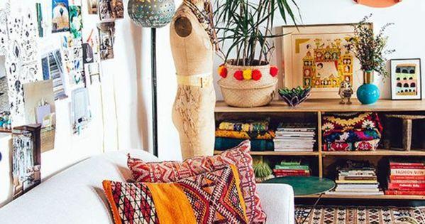 shabbychic m bel boho einrichtungsstil ethno motive dekokissen teppiche metallene pendelleuchte. Black Bedroom Furniture Sets. Home Design Ideas