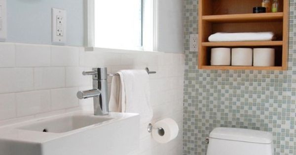 Lovely little loos small bathrooms with big style small for Funky bathroom wallpaper ideas