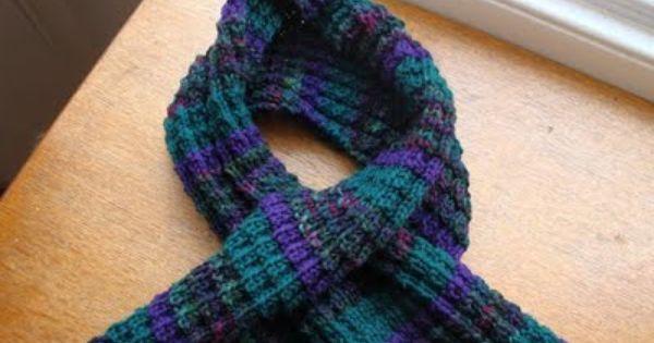 Knitting Pattern Dragon Scales : Dragon Scale Keyhole Scarf: Free Knitting Pattern Knit Pinterest Dragon...